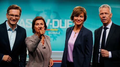 Sandra Maischberger (ARD), Maybrit Illner (ZDF), Peter Kloeppel (RTL) und Claus Strunz (ProSieben/Sat.1) vor der TV-Debatte zwischen Angela Merkel und Martin Schulz im September 2017.