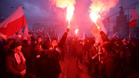 Zehntausende Nationalisten und Rechtsradikale ziehen durch Warschau