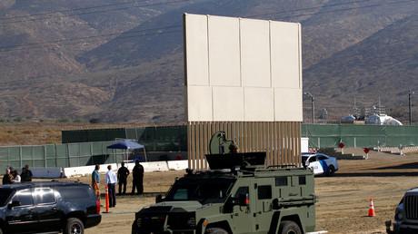 Prototypen von Trumps Mauer, Tijuana, Mexiko, 26. Oktober 2017