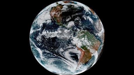 Nur eine Scheibe? Ein US-Amerikaner will mit einer selbst gebauten Rakete den Beweis antreten, dass unser Planet keine Kugel ist.