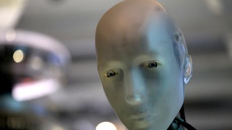 Ein großes Geschäft: Wie steht es um die Freiheit wenn künstliche Intelligenz die Aktivitäteten einfacher Bürger und potenzieller Verbrecher vorhersagen soll? (Symbolbild)