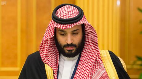 Der saudische Kronprinz Mohammed bin Salman nimmt an einer Kabinettssitzung in Riad teil; Saudi-Arabien, am 28. November 2017.