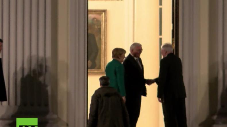 """""""Monsanto-Minister"""" - Proteste bei Ankunft von Merkel, Schulz und Seehofer im Schloss Bellevue"""