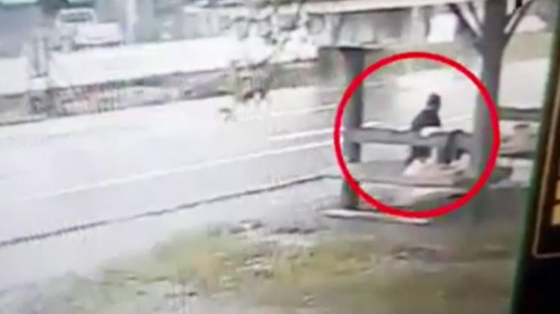 Thailand: Frau überlebt unglaublichen Unfall nahezu unverletzt