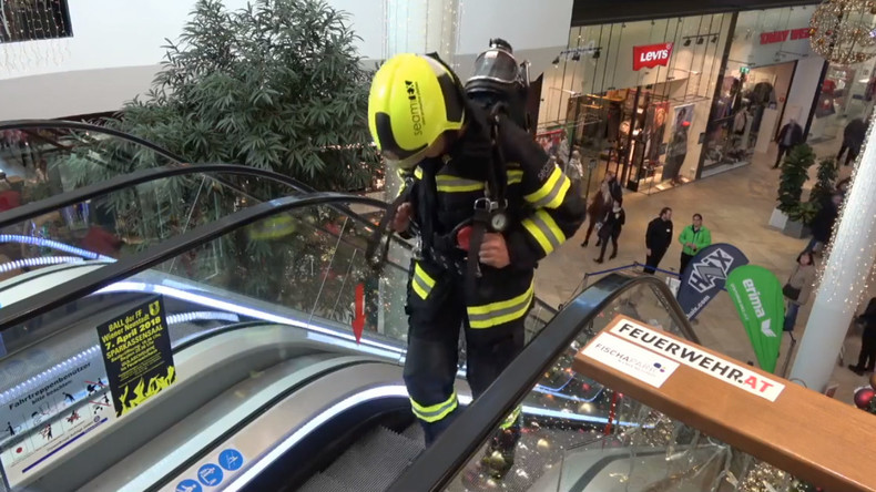Österreicher bezwingt in voller Feuerwehr-Montur 82.301 Stufen
