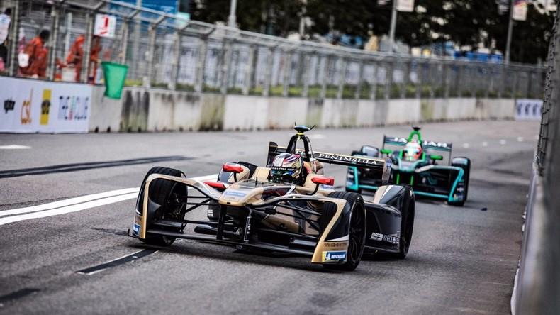 Formel E: Pilot kommt im Finish ins Schleudern und gewinnt Rennen im Rückwärtsgang