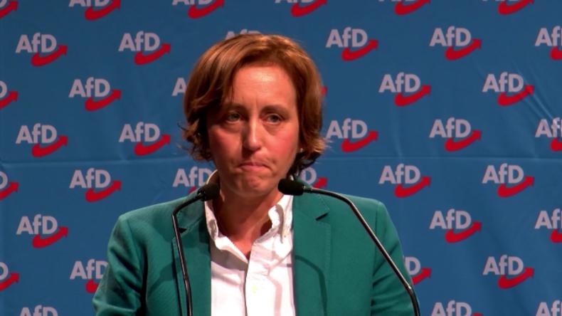 """Von Storch auf AfD-Parteitag über Kanzlerin: """"Merkel größte Rechtsbrecherin nach Zweitem Weltkrieg"""""""
