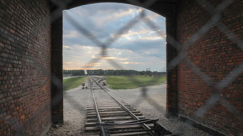 Vandalismus in Auschwitz: 17-Jähriger zu einem Jahr Haft auf Bewährung verurteilt