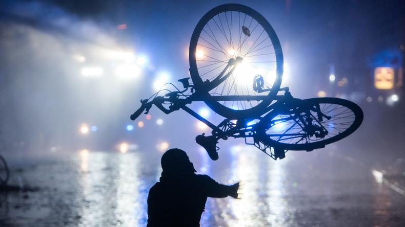 Fünf Monate nach G20-Krawallen: Polizei führt Bundesweite Razzia in linker Szene durch