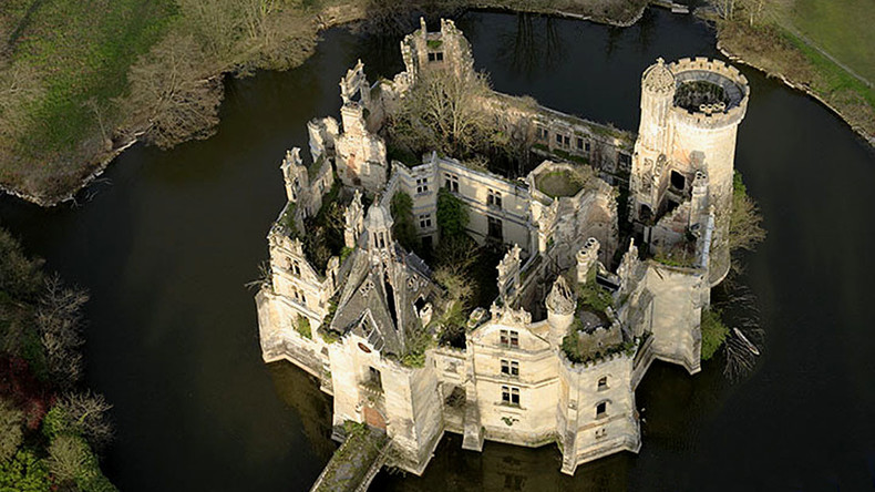 Altes Schloss in Frankreich findet 6.500 neue Besitzer dank Online-Schwarmfinanzierung