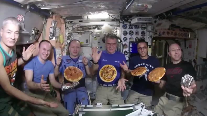 Italienischer Astronaut auf ISS hat Heißhunger auf Pizza – Sein Boss lässt sie ihm ins All liefern