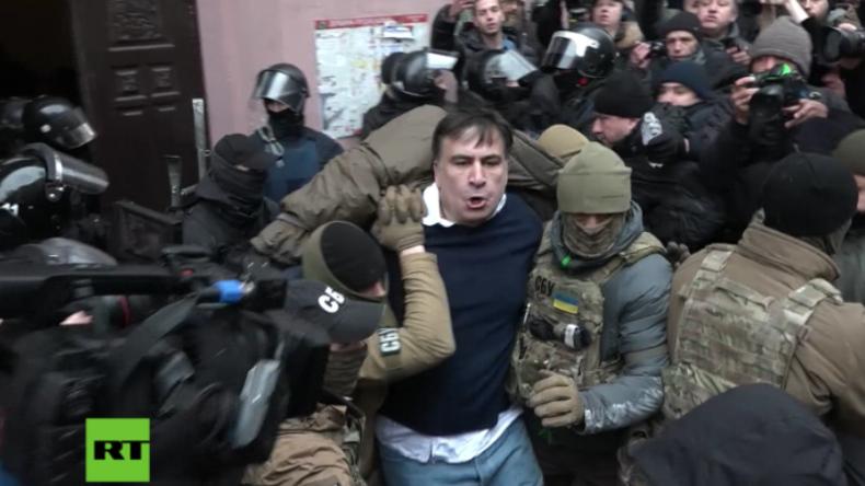 Filmreifes Polittheater um Saakaschwili: Suizid-Drohung, Festnahme und Befreiung aus Polizeiwagen