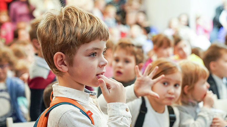 Umfrage: Russen mehrheitlich für Entzug von Elternrechten bei Sektenbeitritt und Extremismus