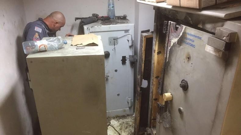 Brasilien: Bankräuber brechen via Abwassernetz und selbst gebohrtes Loch in Bank ein