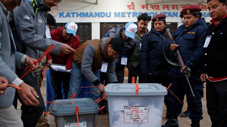 Historische Wahlen in Nepal enden friedlich