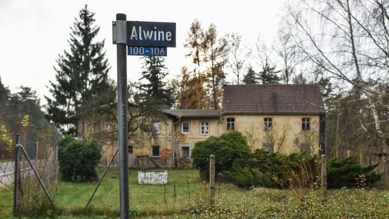 Brandenburgisches Dorf Alwine für 140.000 Euro versteigert