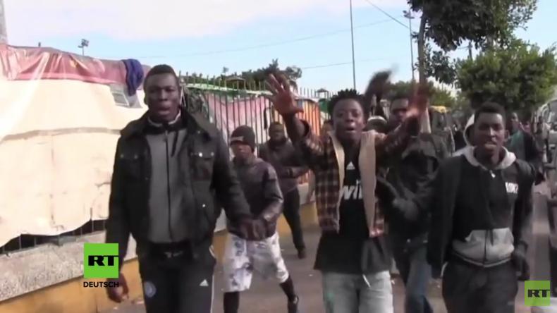 Marokko: Chaos bei Zusammenstößen zwischen Polizei und Migranten