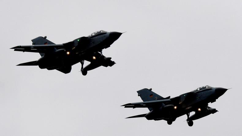 Bundesregierung: IS im Irak noch nicht besiegt - Bundeswehr fliegt weiter