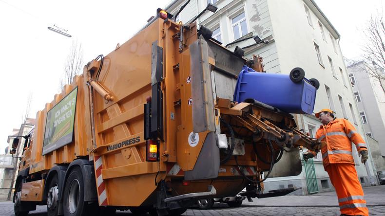 Nürnberg: Obdachloser schläft im Altpapier-Container und wird in den Mülllaster gekippt