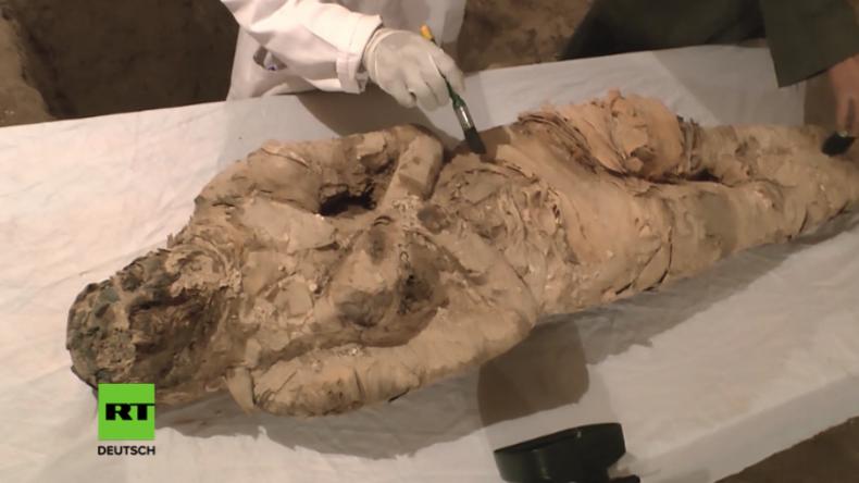 Mumien für den Tourismus? Ägypten lässt Grabkammern öffnen und enthüllt bislang verborgene Schätze