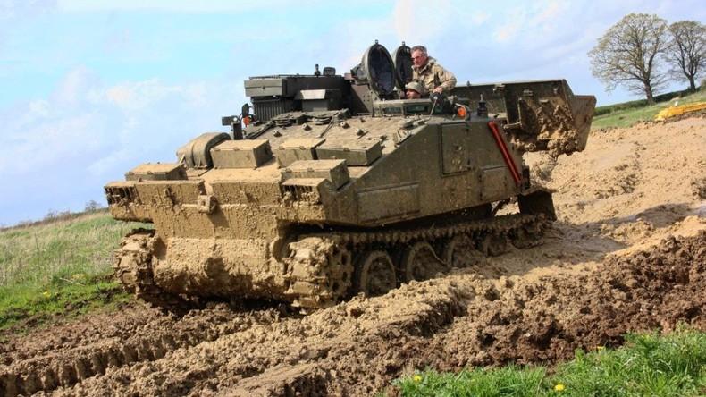 Importeur von Glööckler-Panzern für Kunstprojekt zu Bewährungsstrafe verurteilt