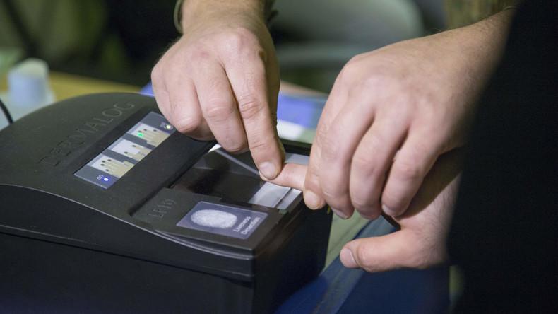 Russland will ab 2019 allen Einreisenden Fingerabdrücke abnehmen