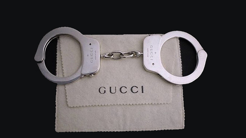 Vintage Gucci Handschellen für 65.000 US-Dollar versteigert