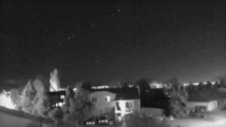 USA: Schon wieder ein Ufo - Alienfans sichten riesiges Lichtobjekt am Nachthimmel in den USA