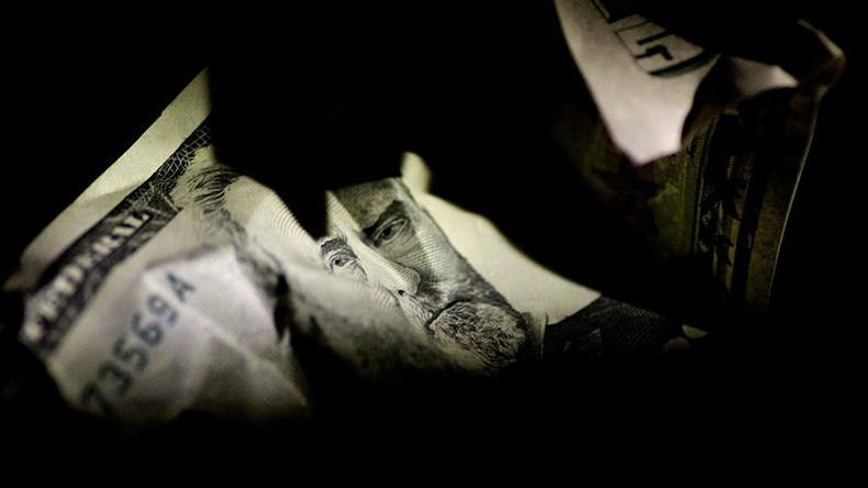 Berkeley-Wirtschaftsprofessor: Tage des US-Dollars als weltweite Leitwährung sind gezählt