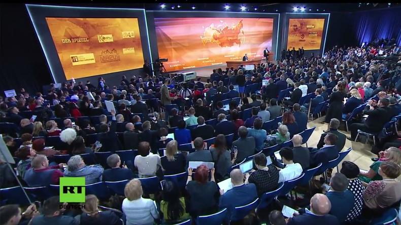 Putin zieht Jahresbilanz und stellt sich den Fragen der Weltpresse - [deutsche Simultanübersetzung]