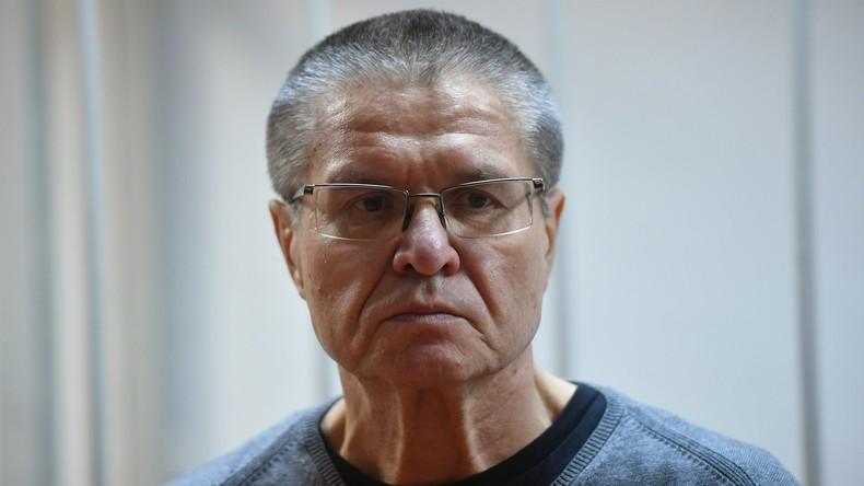 Russischer Ex-Wirtschaftsminister Uljukajew zu acht Jahren Haft für Bestechung verurteilt