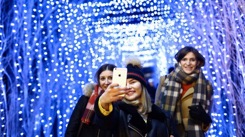 """""""Lass uns erst ein Selfie machen!"""": Mehr als drei Selbstporträts pro Tag zeugen von Krankheit"""