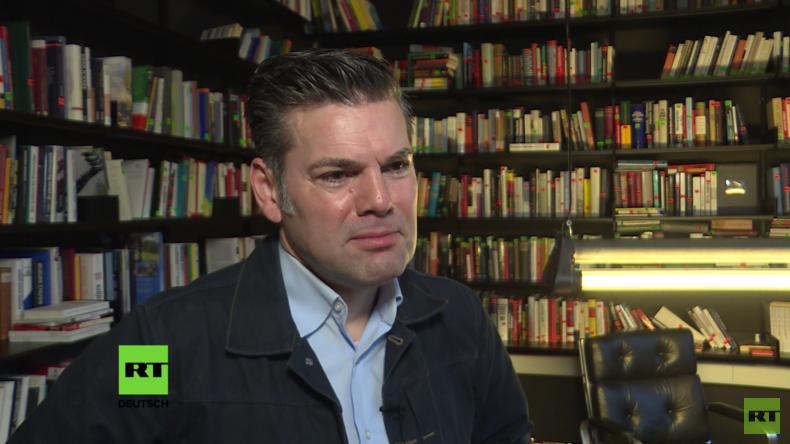 """Ken Jebsen über die Meinungsfreiheit und die """"Querfront"""". RT-Interview in voller Länge"""