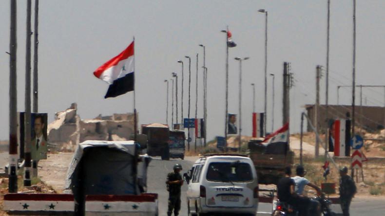 Nächste Einigung in Afrin? Syrische Armee hisst Flagge in YPG-kontrollierten Gebieten von Aleppo