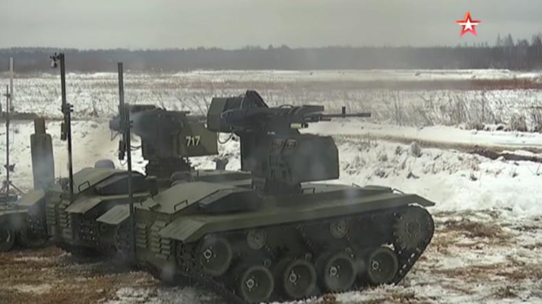 Robot Wars auf russischem Feld - Militär testet Kampfroboter vs. Kamikaze-Roboter