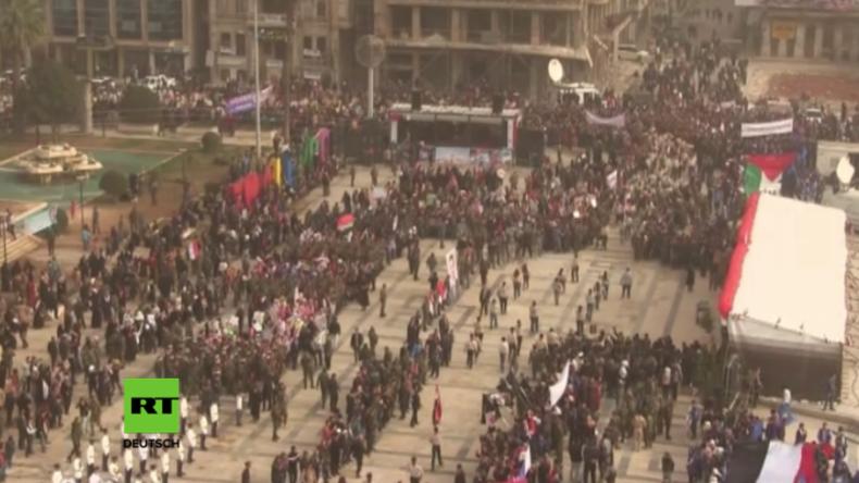 """Aleppo: Tausende feiern Jahrestag der Befreiung - """"Wir sind sehr glücklich über diesen Sieg"""""""