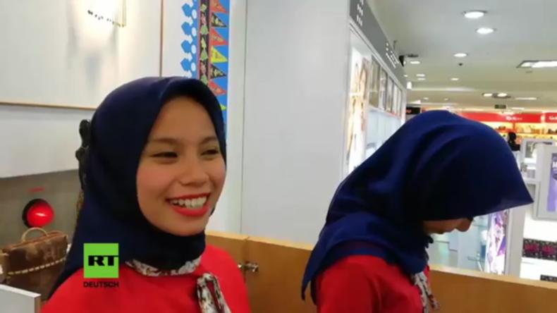 Indonesien: Einwohner reagieren auf Islamisten-Drohungen wegen Weihnachtsbekleidung