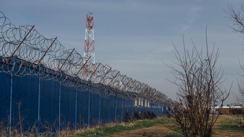 Serbische Polizei löst Zeltlager von 150 Flüchtlingen auf