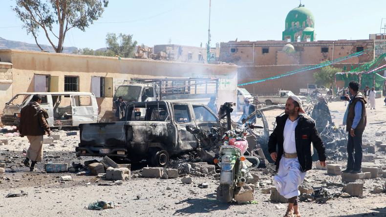 Jemen: Saudischer Luftangriff auf Marktplatz tötet mindestens 25 Zivilisten [Video]