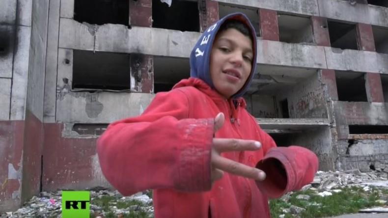 Trailer: RT Spezial – Reise in die größten Roma-Slums Europas