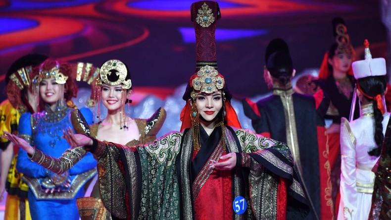"""Internationaler Schönheitswettbewerb """"Botschafterin der Schönheit"""" in der Mandschurei"""