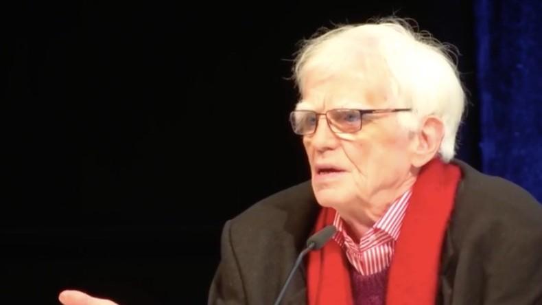 """Hans-Christian Ströbele auf 34C3: """"Edward Snowden hatte in allen Punkten recht"""""""