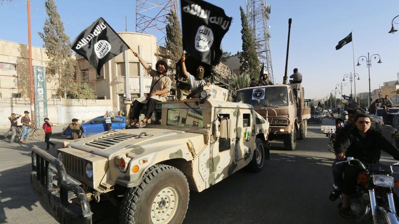 Bestätigt: IS Kämpfer durften mit US-Billigung unbehelligt aus Rakka abziehen [Video]
