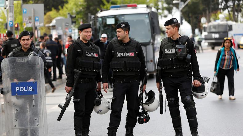 Medienbericht: Dutzende mutmaßliche IS-Anhänger vor Silvester festgenommen