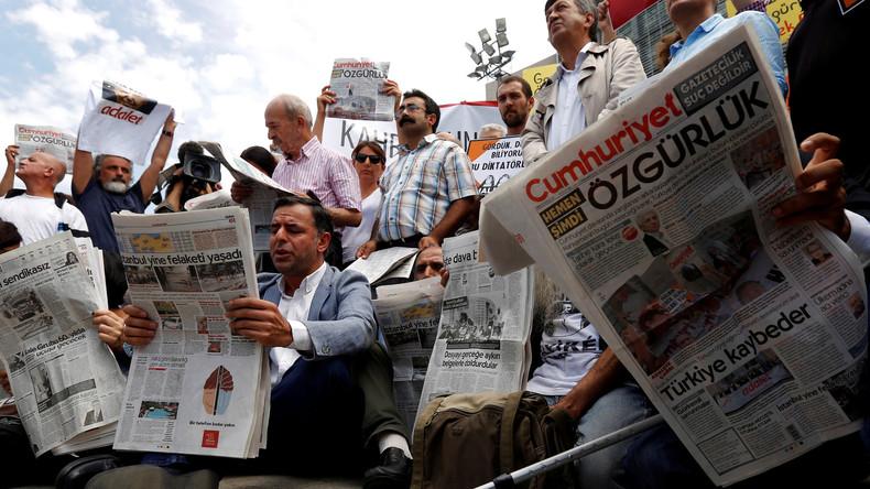 Cumhuriyet-Mitarbeiter frei - falsche Beweise in Tausenden Fällen?