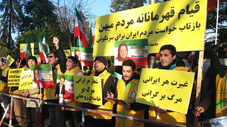 Regimegegner demonstrieren vor iranischer Botschaft in Berlin
