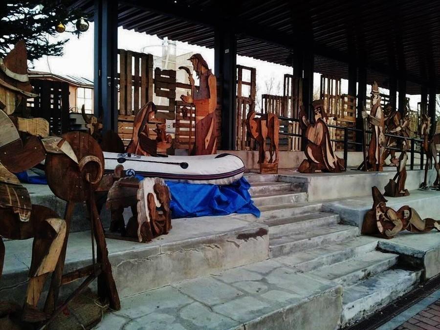 Italien: Jesus als Migrant im Schlauchboot – Bischof kritisiert unkonventionelle Krippe