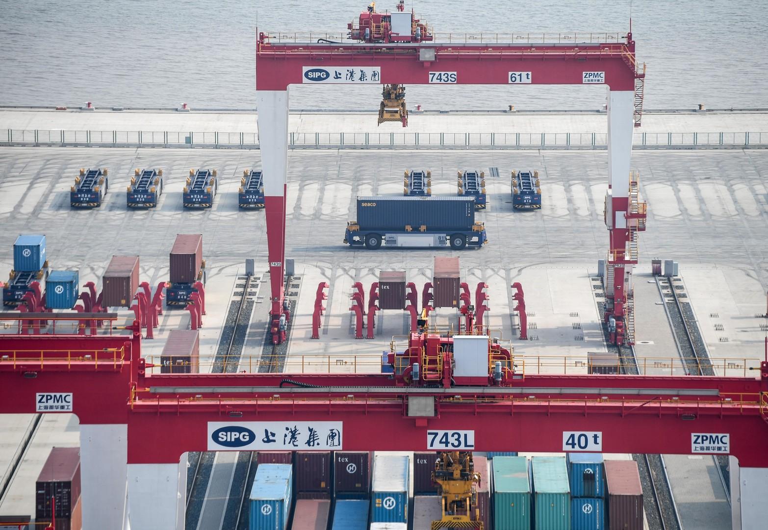 Alles für den Handel: China eröffnet weltgrößtes automatisiertes Containerterminal