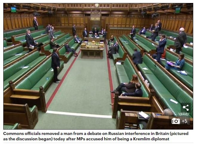 """""""Verdächtiger Russe"""", der aus britischem Parlament entfernt wurde, war in Wirklichkeit US-Amerikaner"""