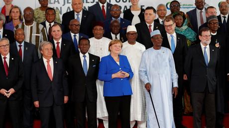 Angela Merkel während des EU-Afrika-Gipfels in Abidjan, Elfenbeinküste.
